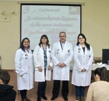 José Antonio Murillo Pulgarín y Sacri Lucendo, profesora del IES y organizadora de la actividad, acompañados por Elisa Jiménez, Eulalia Valverde,