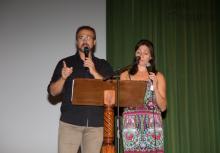 Miguel Ángel (Jefe de Estudios adjunto) y Nati (Secretaria) fueron los presentadores del acto.